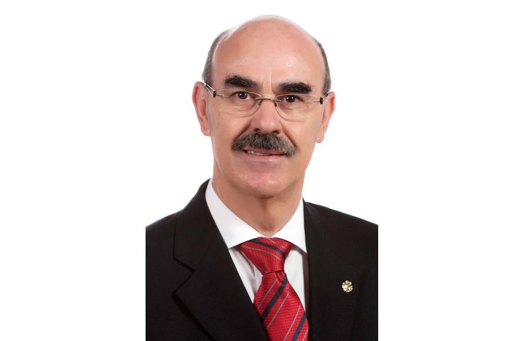 Francisco José Perera MolineroPhilip Hoare